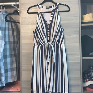 New express portifino dress medium a must have